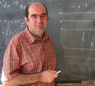 Professor Sandu Popescu